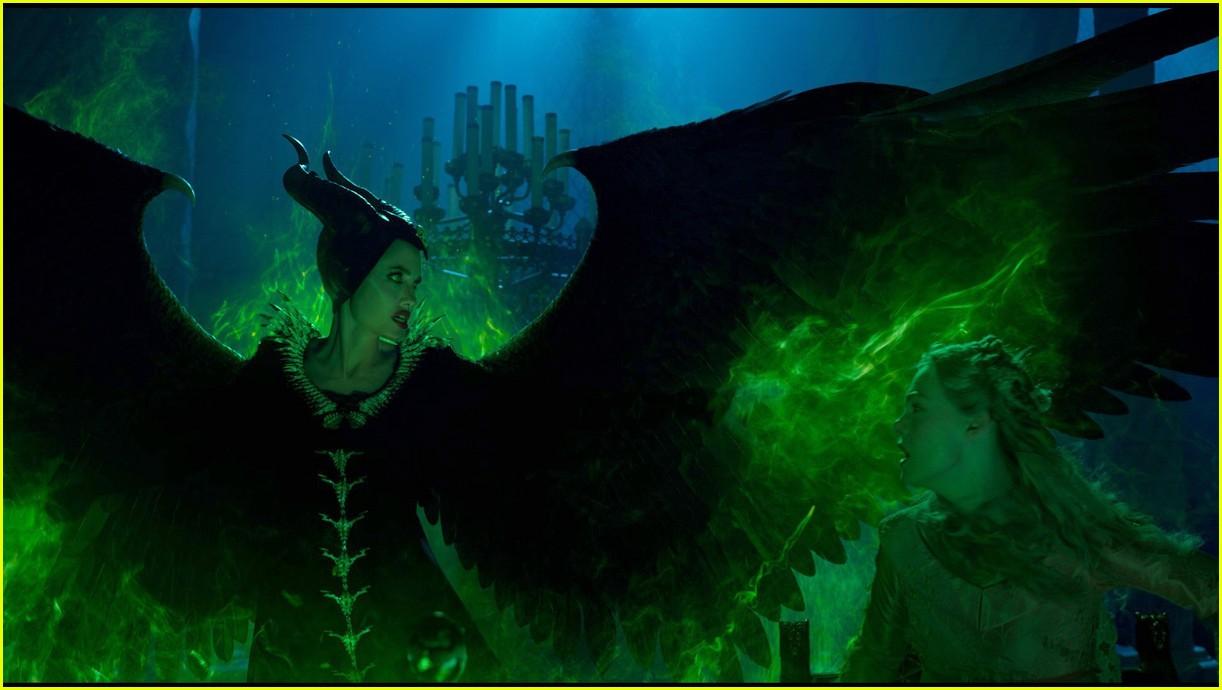angelina jolie maleficent mistress of evil trailer 044290486