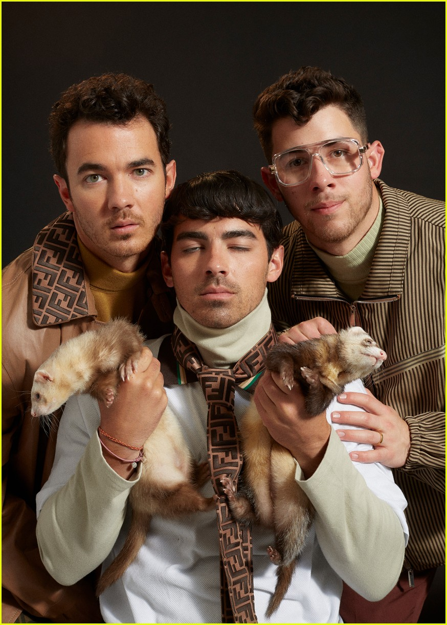 jonas brothers paper magzazine cover 084291690