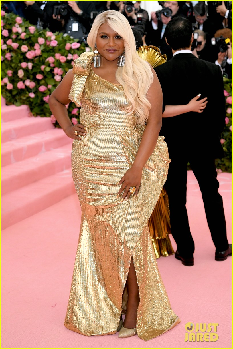 Mindy Kaling Changes Up Her Hair For Met Gala 2019 Photo