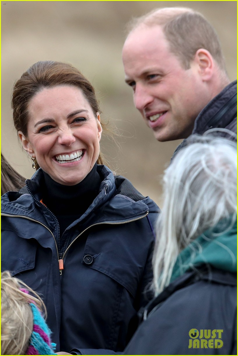 kate middleton prince william beach wales 03
