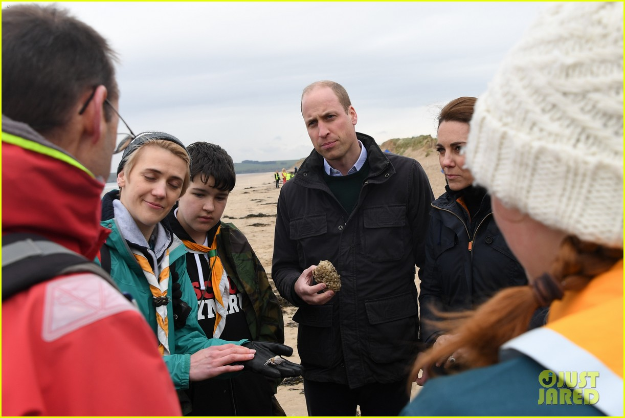 kate middleton prince william beach wales 09