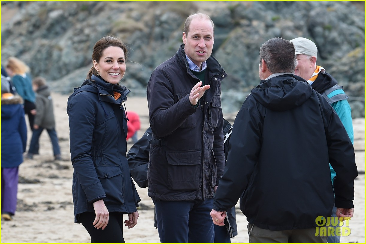 kate middleton prince william beach wales 12