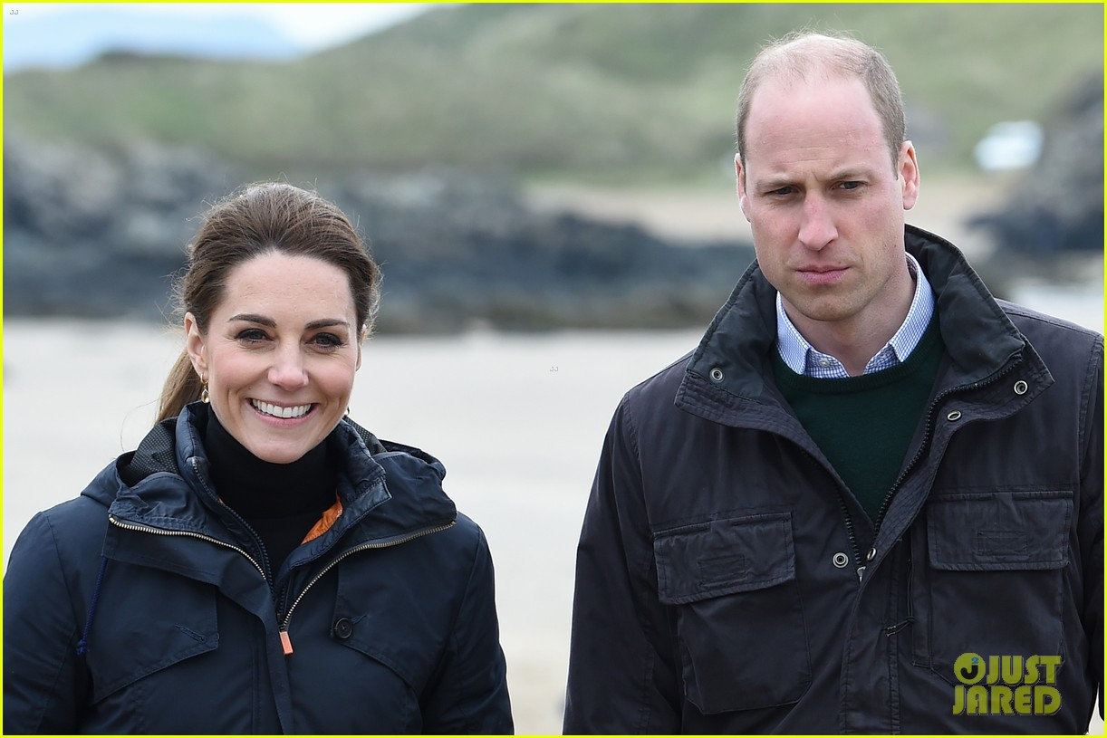 kate middleton prince william beach wales 15