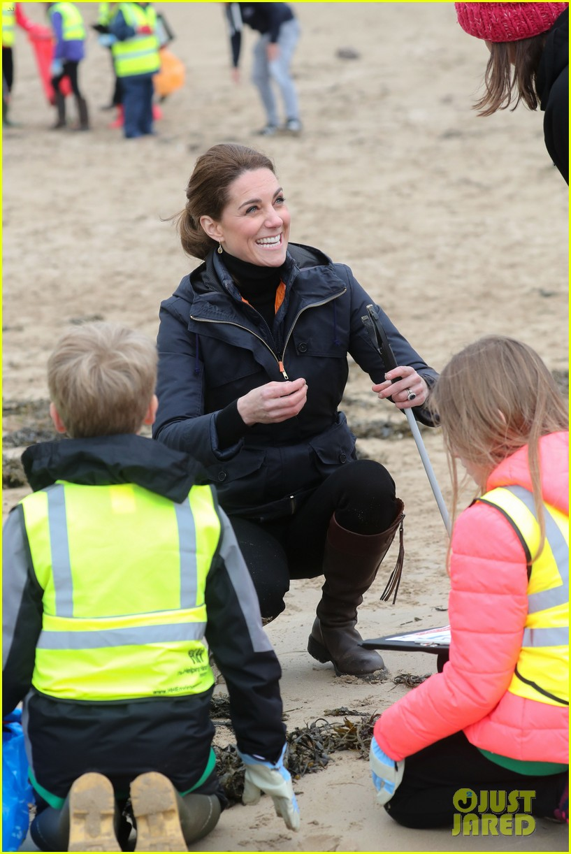 kate middleton prince william beach wales 19