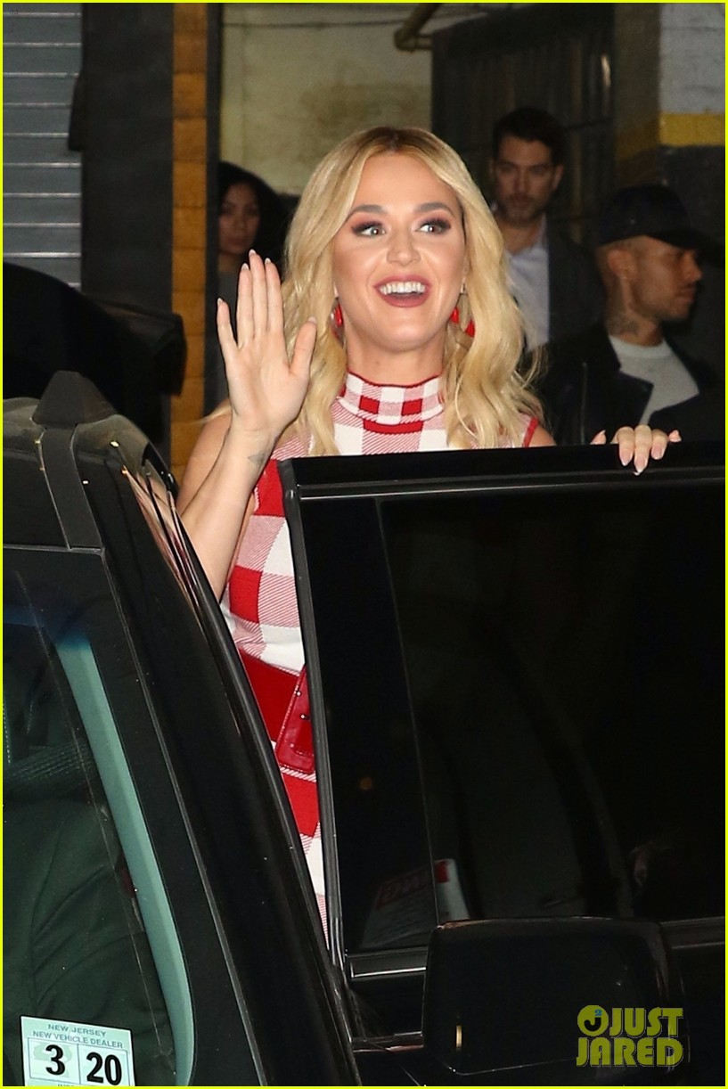 Katy Perry Heads Out for Ice Cream After a Macy's Meet & Greet in