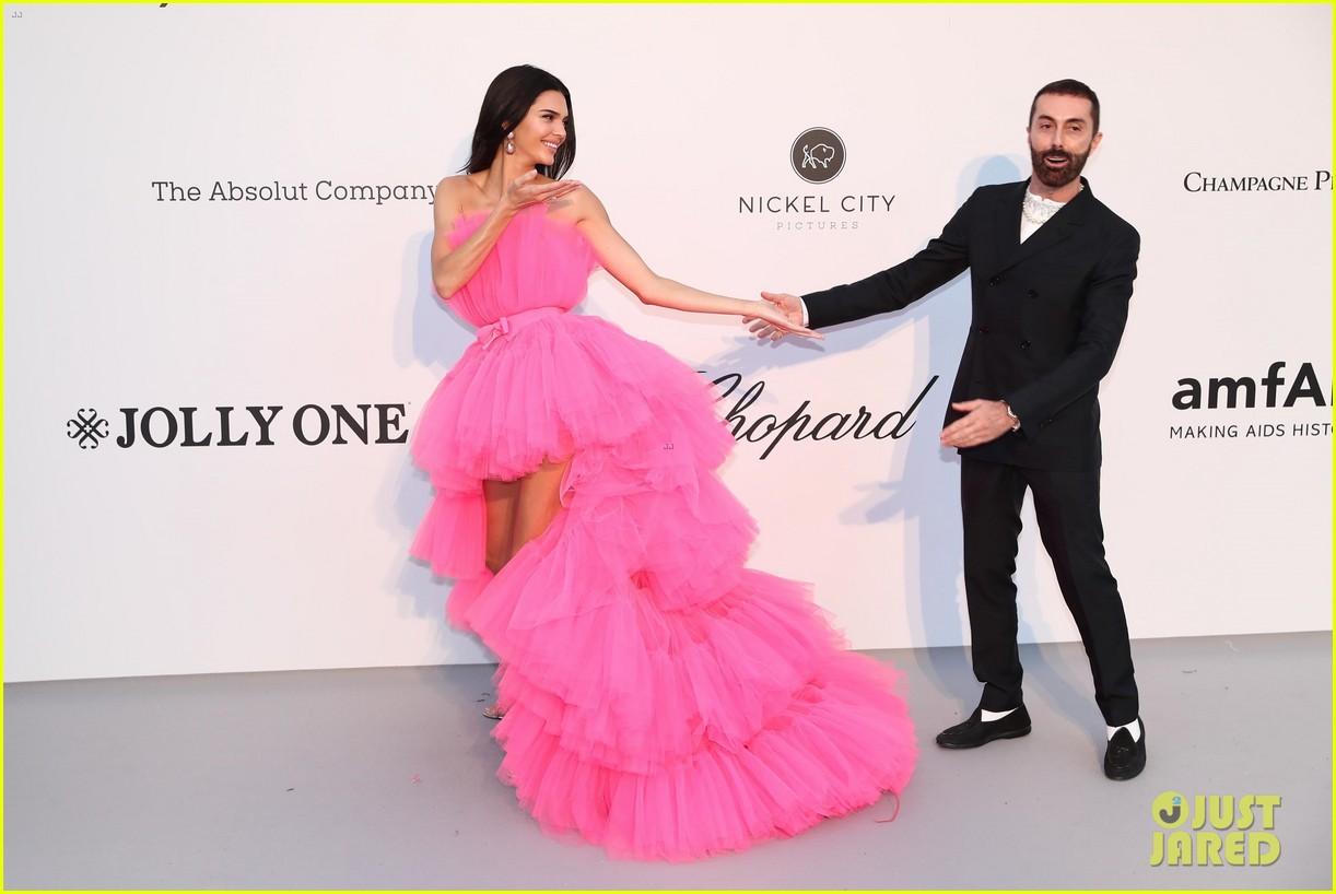 kendall jenner poofy pink dress amfar gala cannes 04