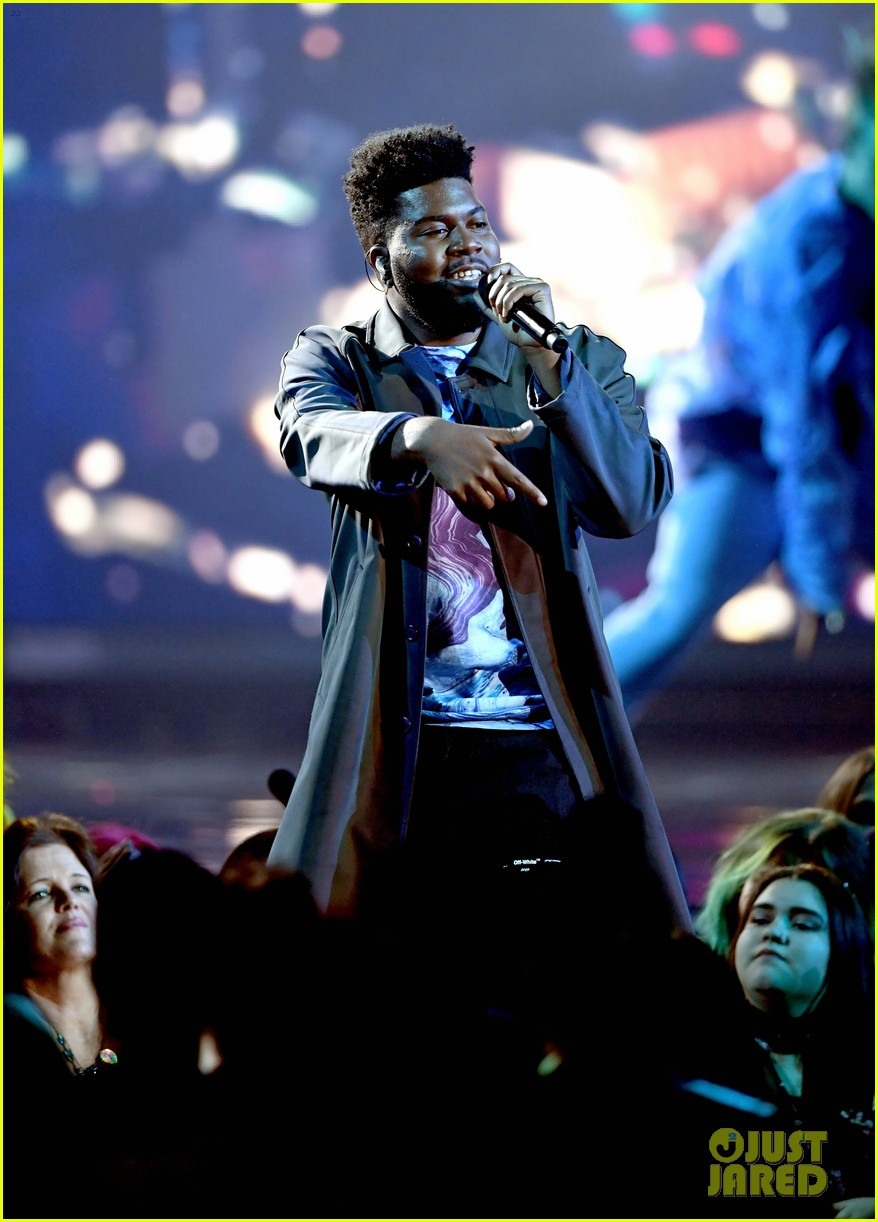 khalid performs talk better at billboard music awards 11