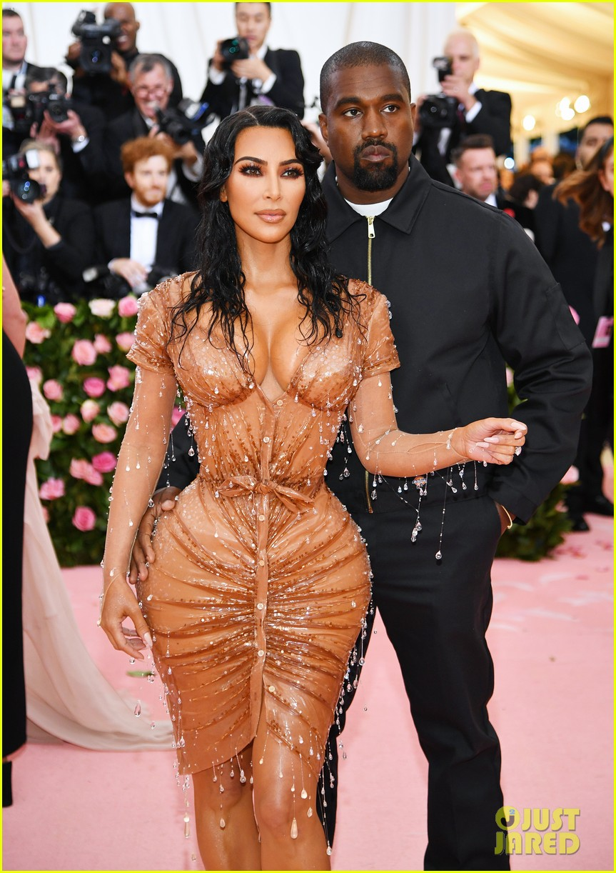 Kim Kardashian Shows Her Assets at Met Gala 2019 with ...