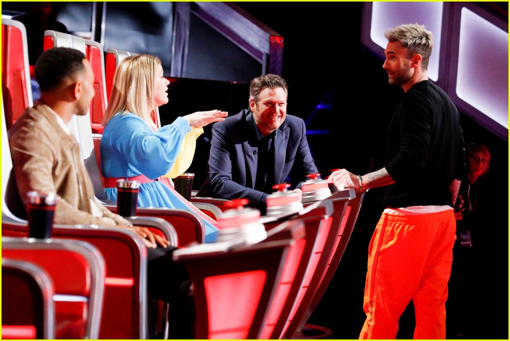 adam levine the voice coaches react 03