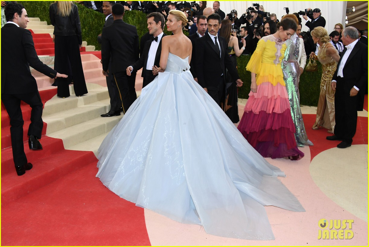 Lindsay Lohan Takes Issue With Zendaya S Met Gala 2019