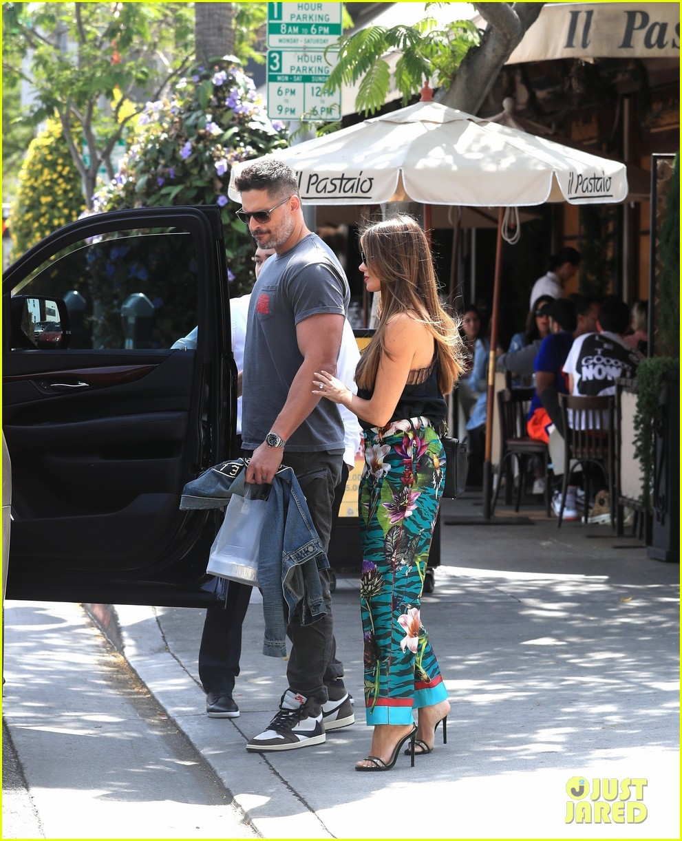 Sofia Vergara & Joe Manganiello Share Cute Moment After A