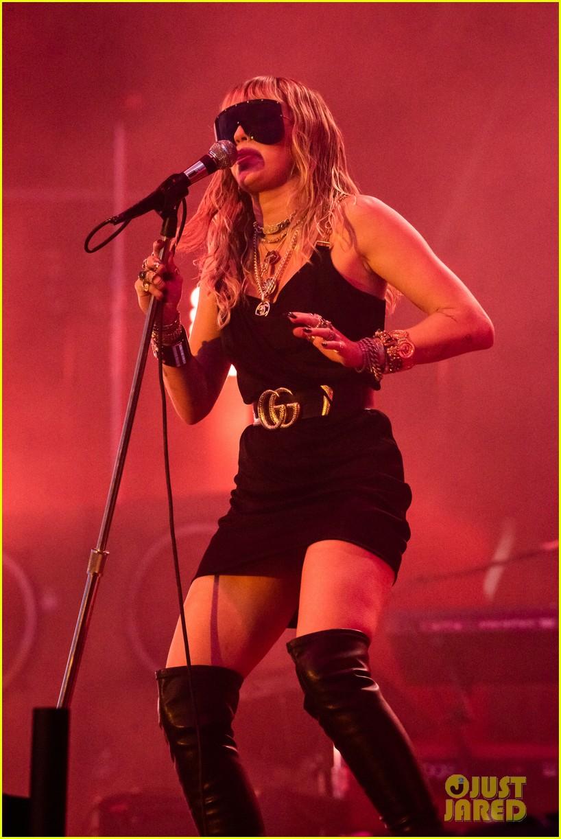 miley cyrus debuts 3 new songs at bbc radio big weekend 01