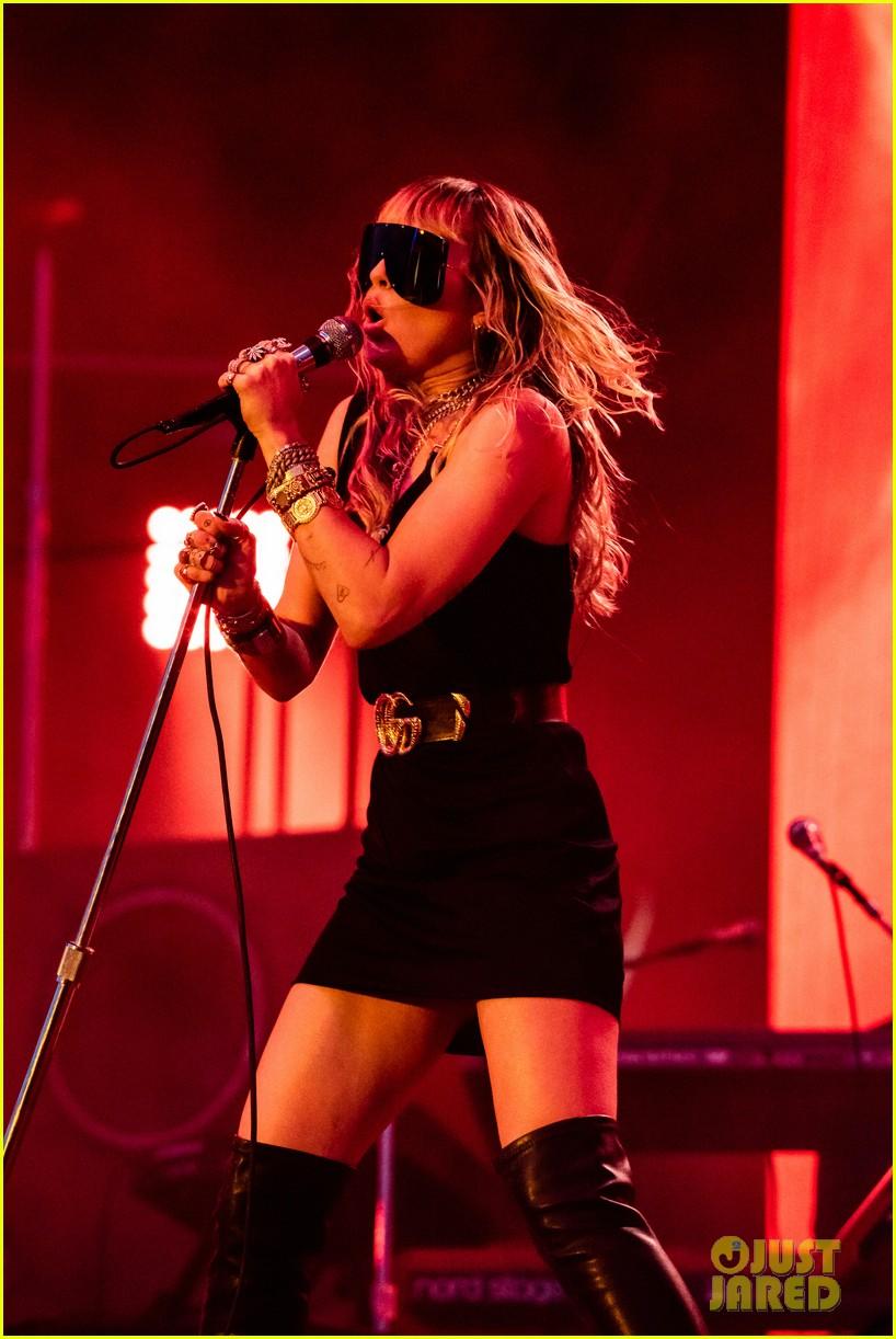 miley cyrus debuts 3 new songs at bbc radio big weekend 08