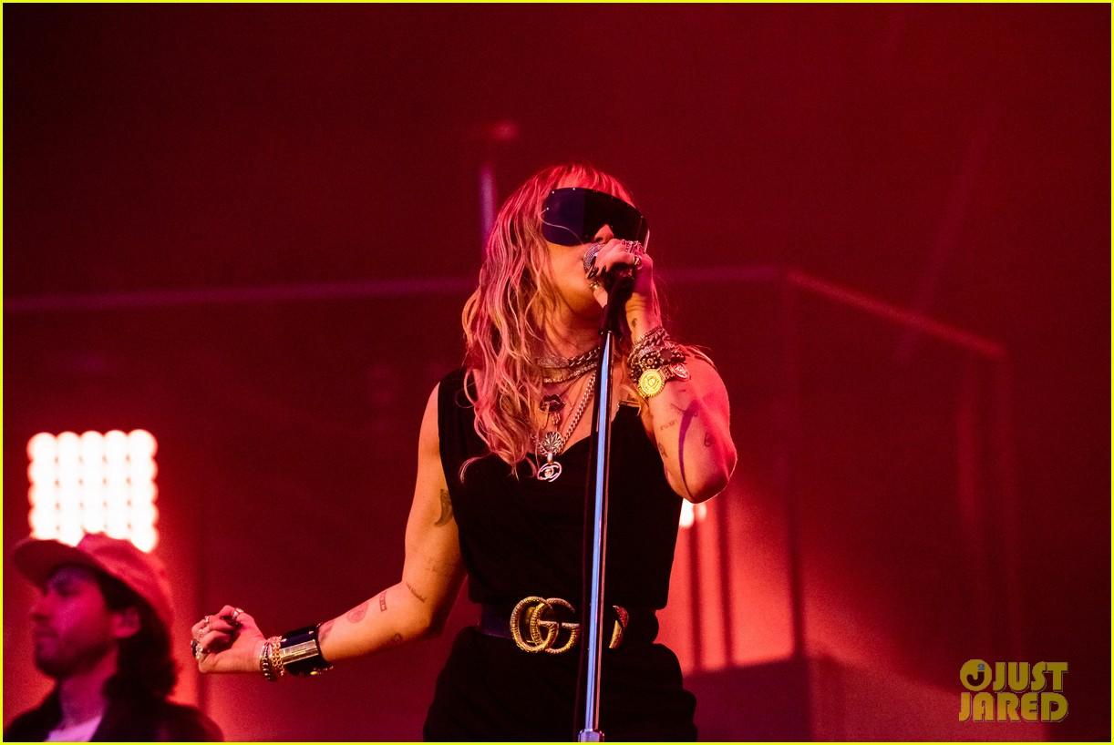 miley cyrus debuts 3 new songs at bbc radio big weekend 10