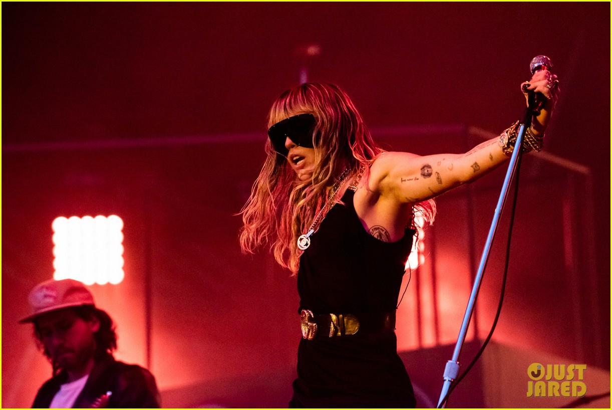 miley cyrus debuts 3 new songs at bbc radio big weekend 11