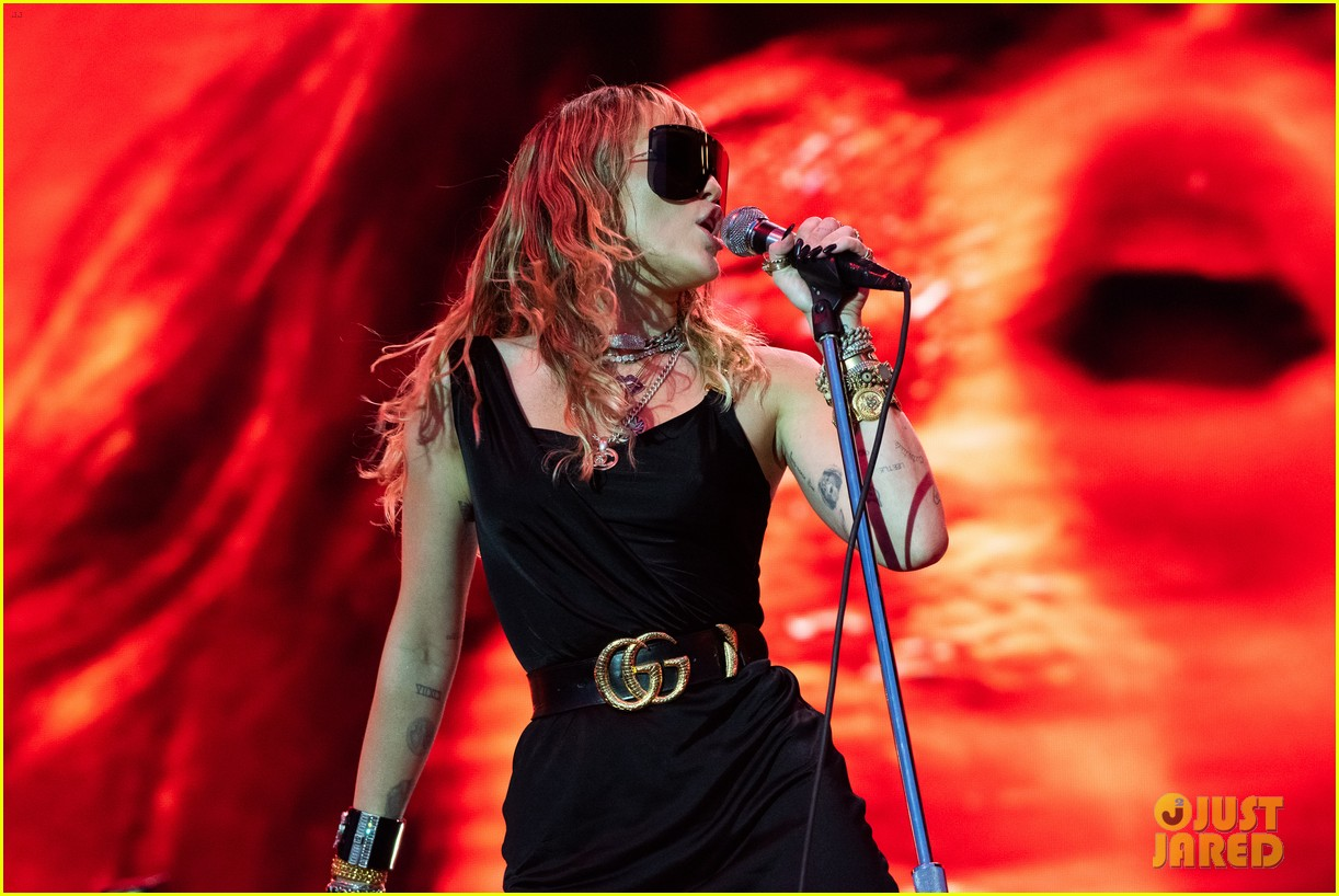 miley cyrus debuts 3 new songs at bbc radio big weekend 15