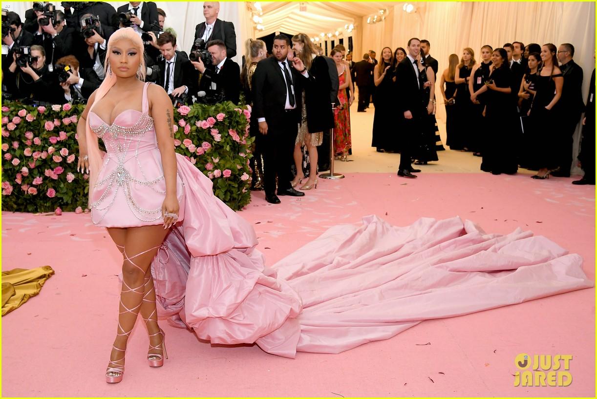 Nicki Minaj Is Pretty In Elaborate Pink Gown At Met Gala