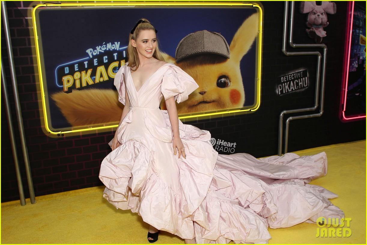 kathryn newton justice smith yellow carpet detective pikachu premiere 10
