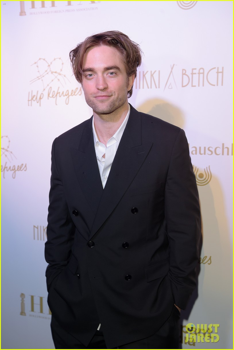 robert pattinson suits up for hfpa event amid batman casting rumors 024294132