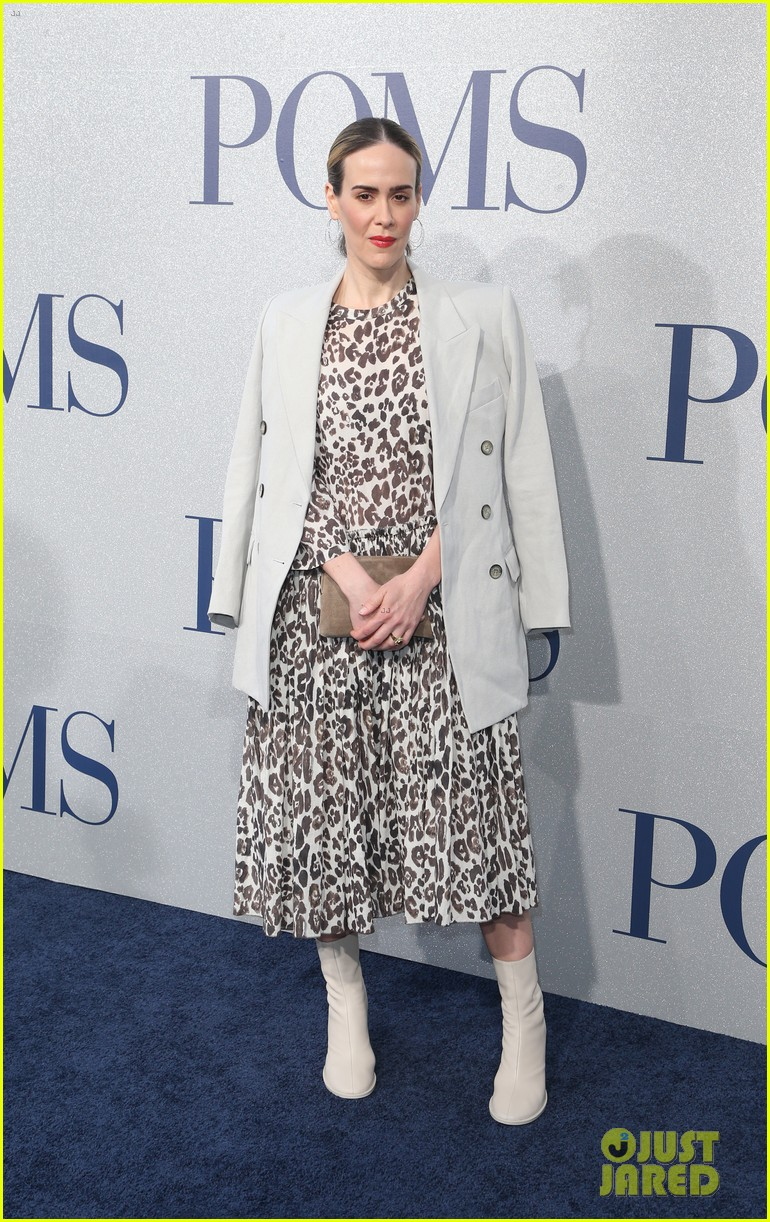 diane keaton gets support from sarah paulson at poms premiere 03
