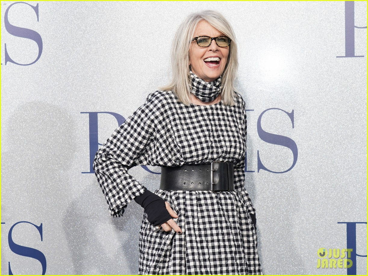 diane keaton gets support from sarah paulson at poms premiere 06