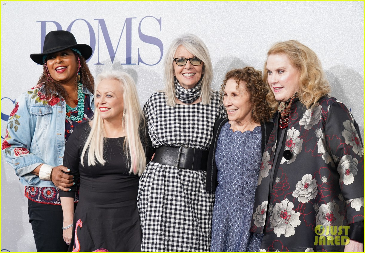diane keaton gets support from sarah paulson at poms premiere 13