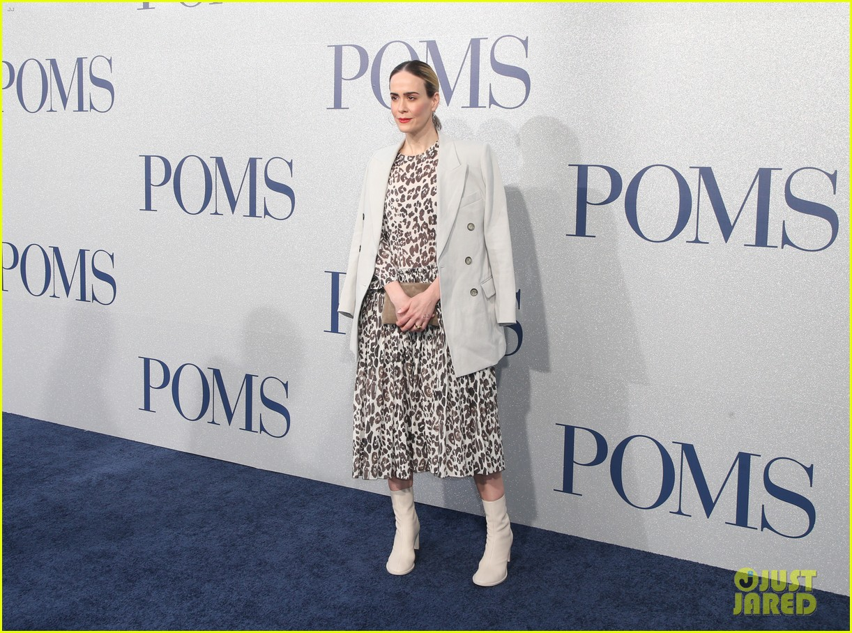 diane keaton gets support from sarah paulson at poms premiere 14