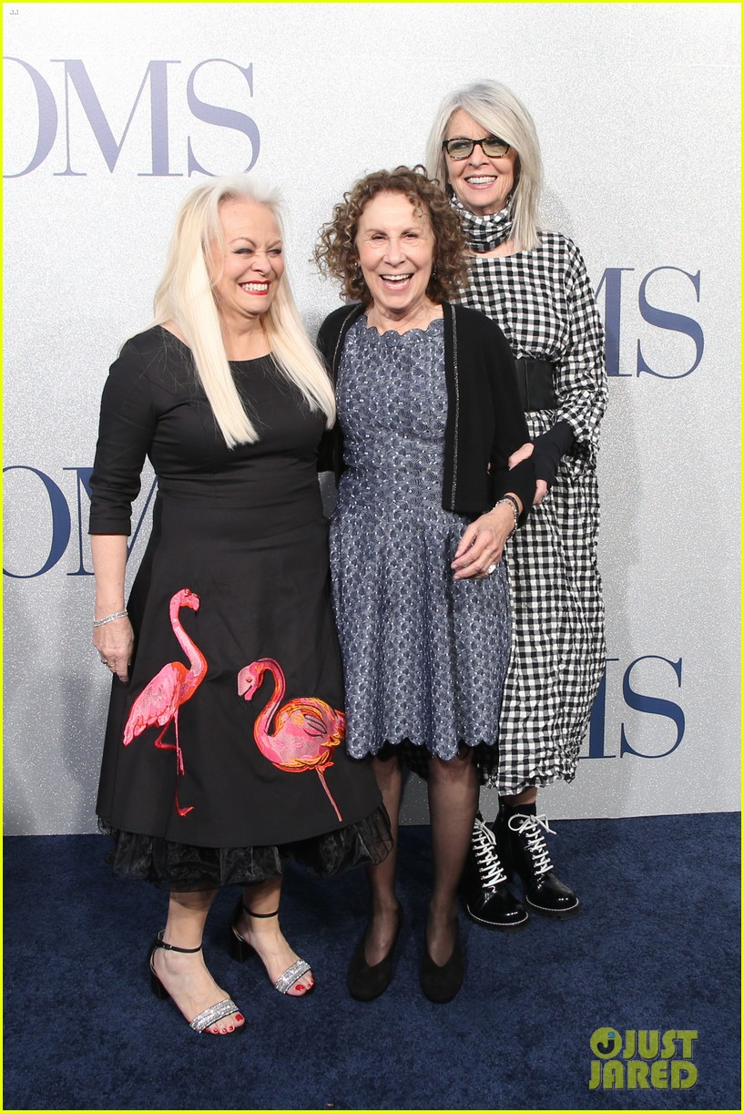 diane keaton gets support from sarah paulson at poms premiere 20