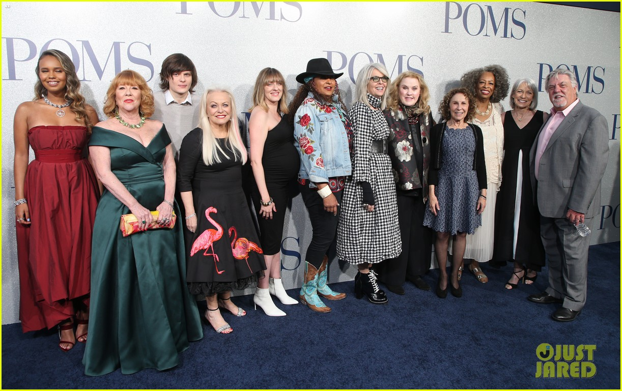 diane keaton gets support from sarah paulson at poms premiere 21