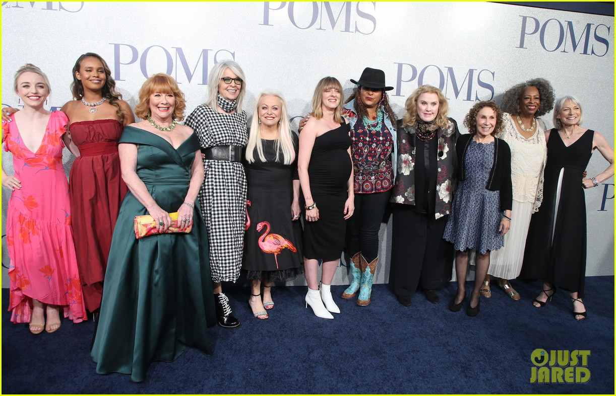 diane keaton gets support from sarah paulson at poms premiere 22