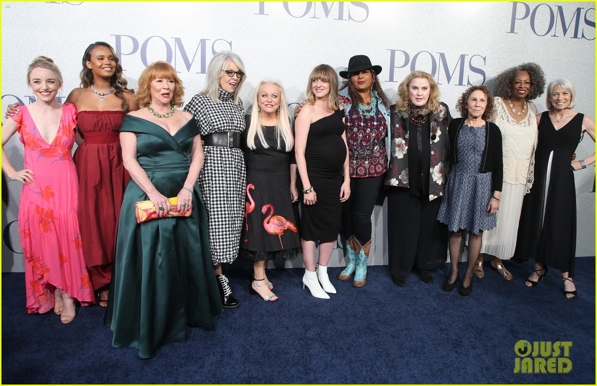 diane keaton gets support from sarah paulson at poms premiere 23