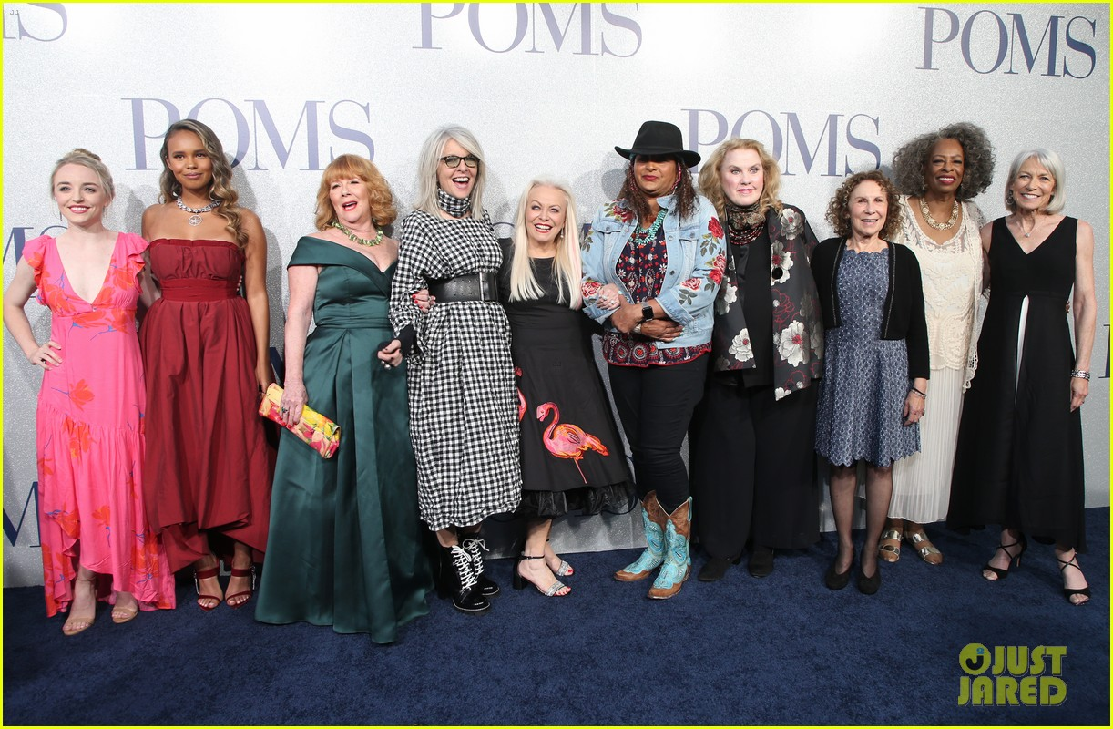 diane keaton gets support from sarah paulson at poms premiere 24