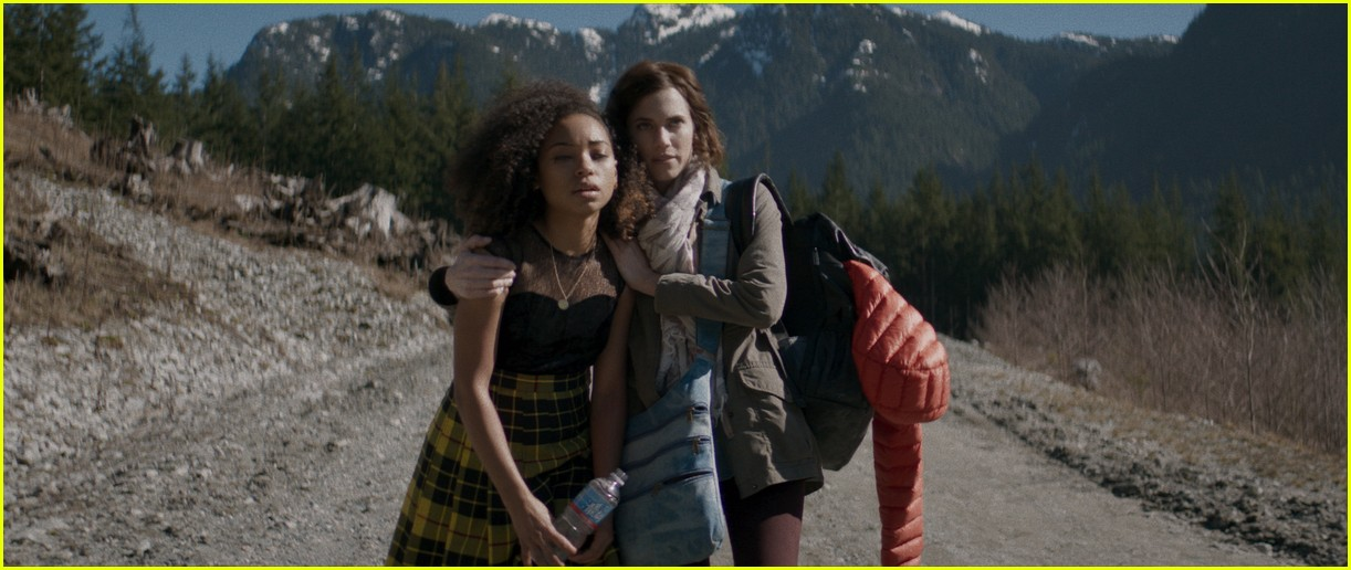 allison williams logan browning the perfection netflix stills 04