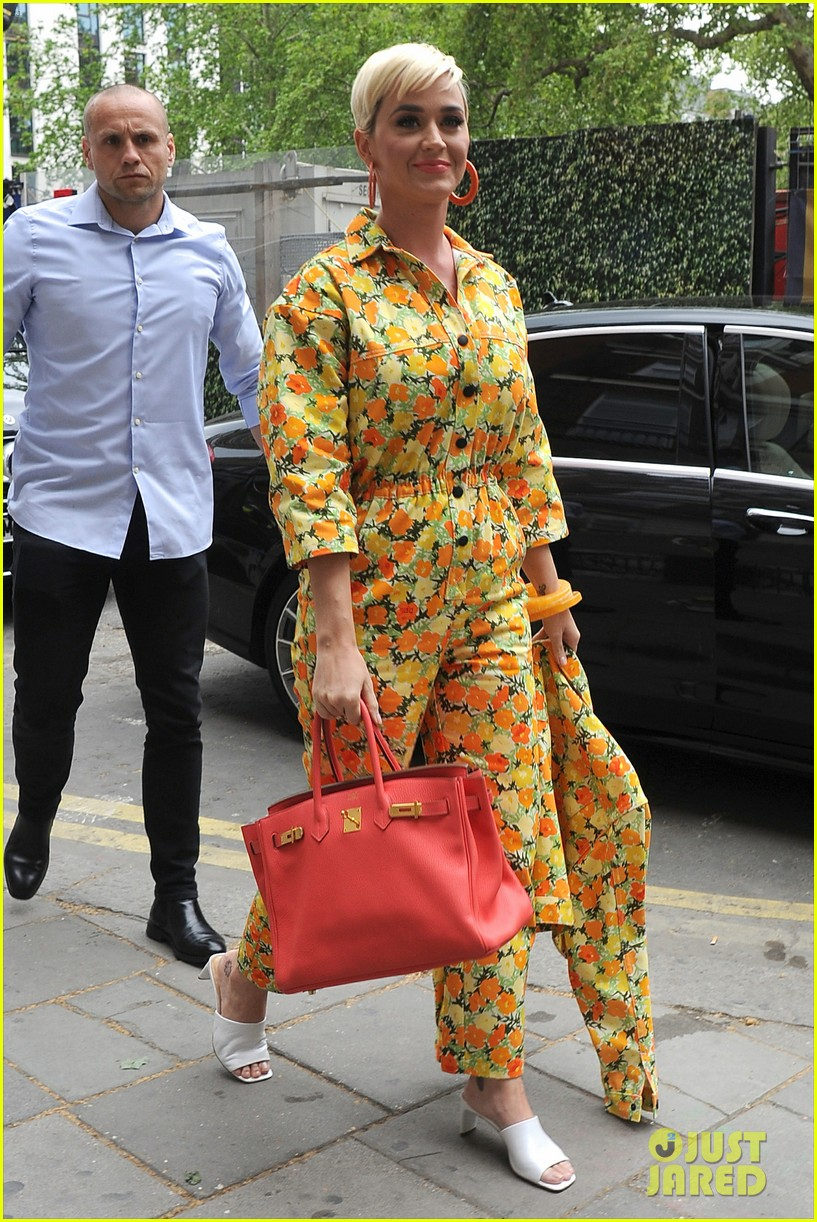 katy perry colorful floral jumpsuit day out in london 03