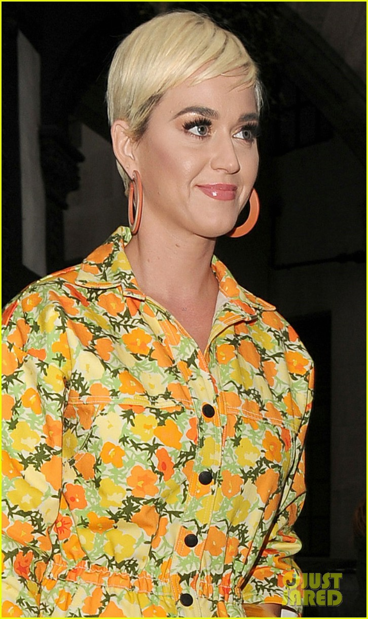 katy perry colorful floral jumpsuit day out in london 06