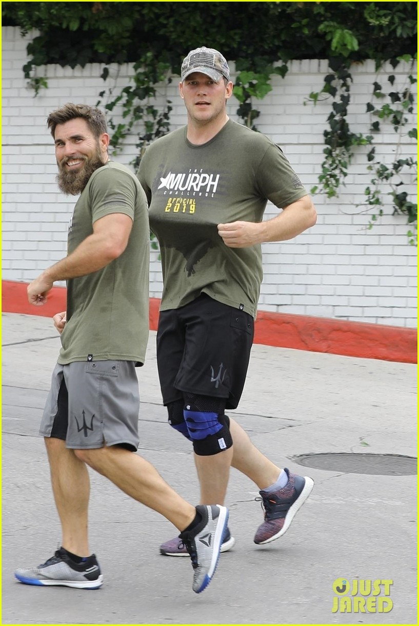 chris pratt works up a sweat during boot camp workout 03