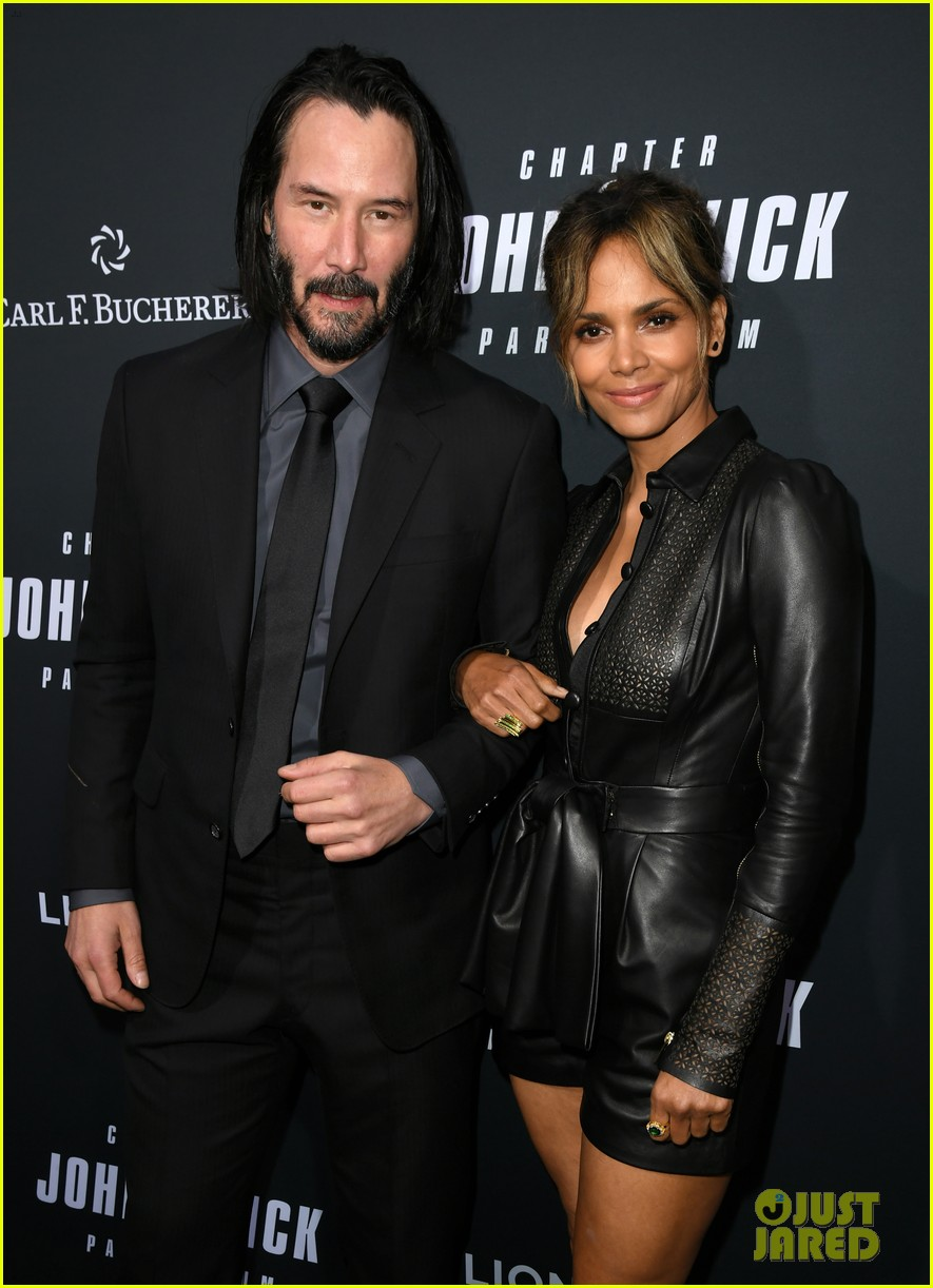 keanu reeves halle berry hit the black carpet at john wick 3 premiere 034292104