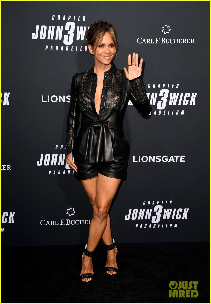 keanu reeves halle berry hit the black carpet at john wick 3 premiere 054292106