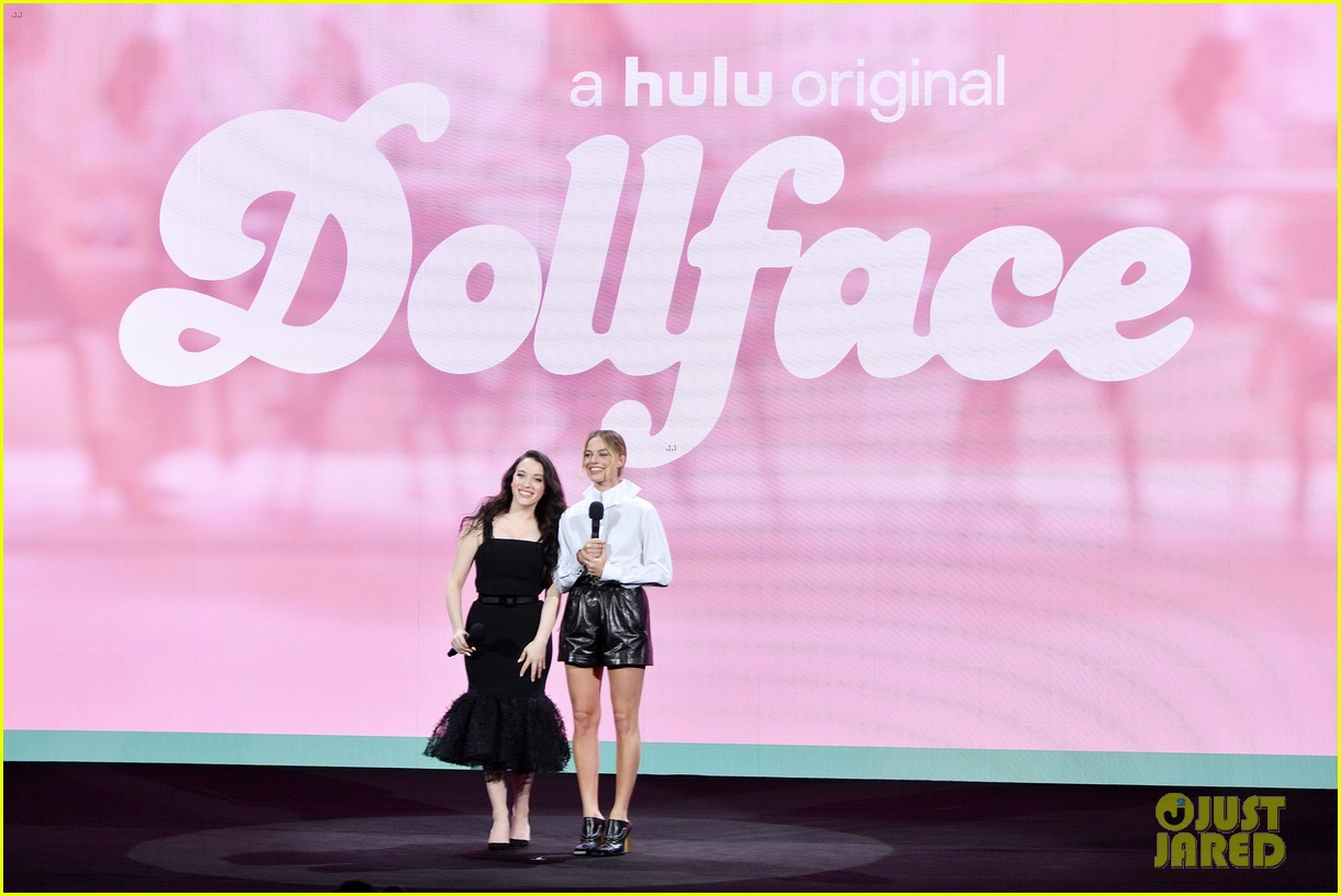 margot robbie and kat dennings talk dollface at hulu upfronts 074280424