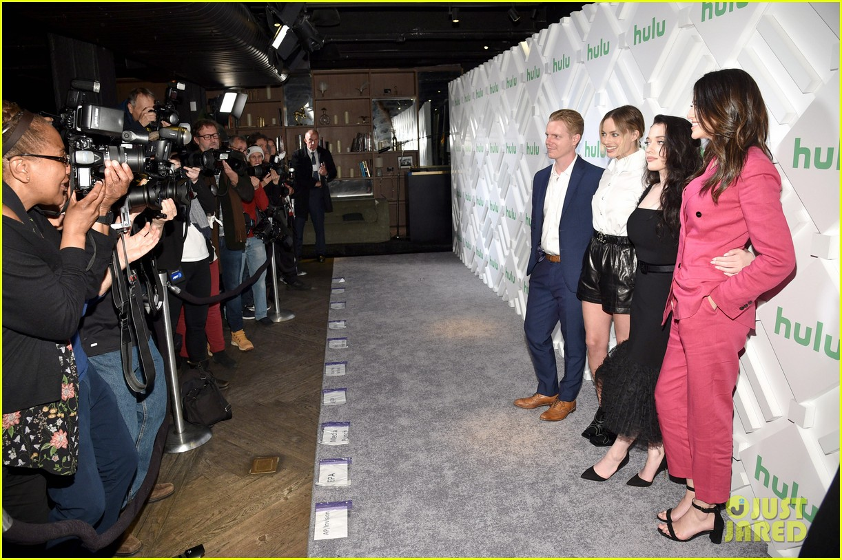 margot robbie and kat dennings talk dollface at hulu upfronts 134280430