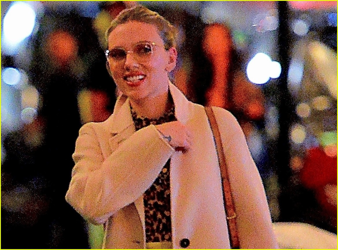scarlett johansson night out nyc 034290371