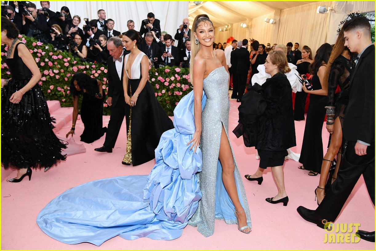 candice swanepoel joan small so hot met gala 01