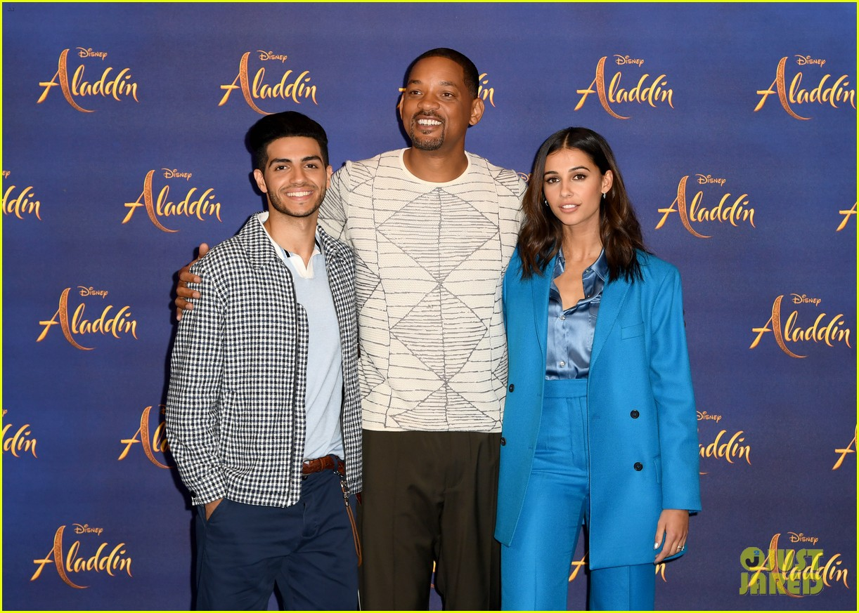 will smith mena massoud naomi scott team up for aladdin photo call in london 01