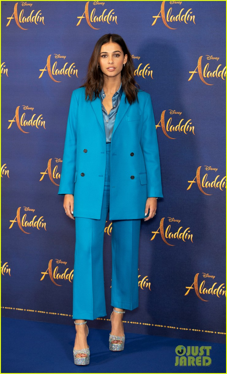will smith mena massoud naomi scott team up for aladdin photo call in london 02