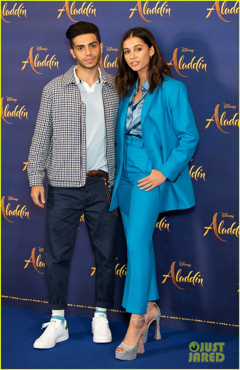 will smith mena massoud naomi scott team up for aladdin photo call in london 04