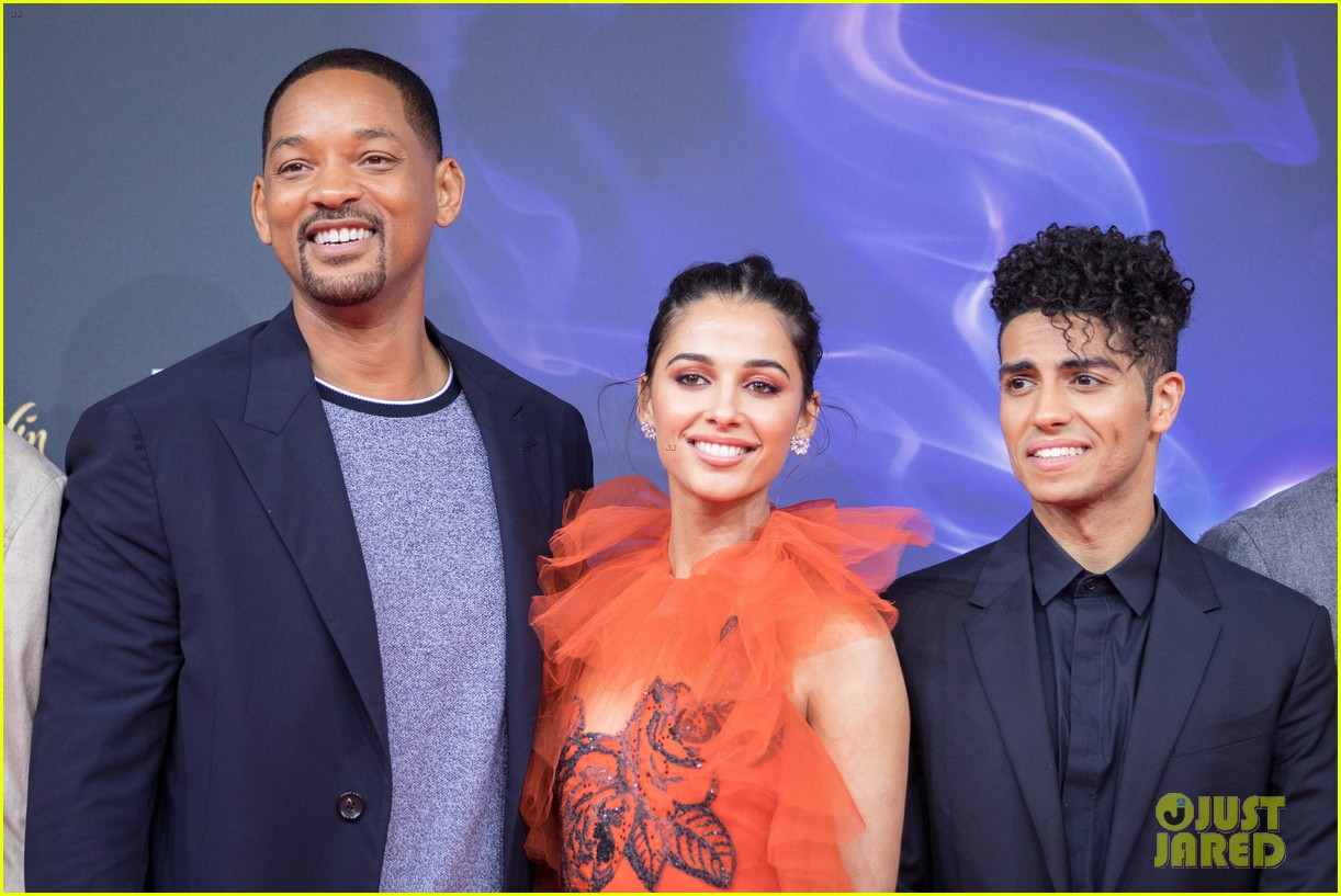 will smith mena massoud naomi scott aladdin premiere berlin 01
