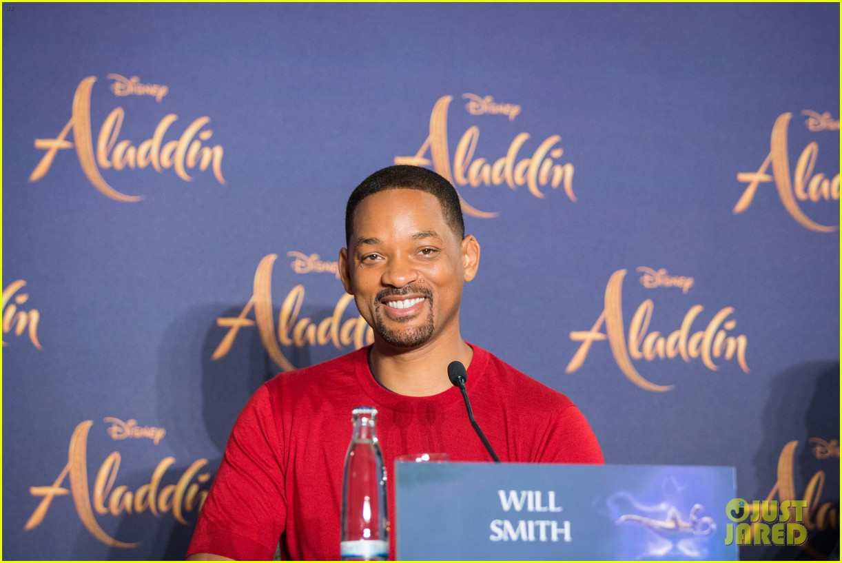 will smith mena massoud naomi scott aladdin premiere berlin 03
