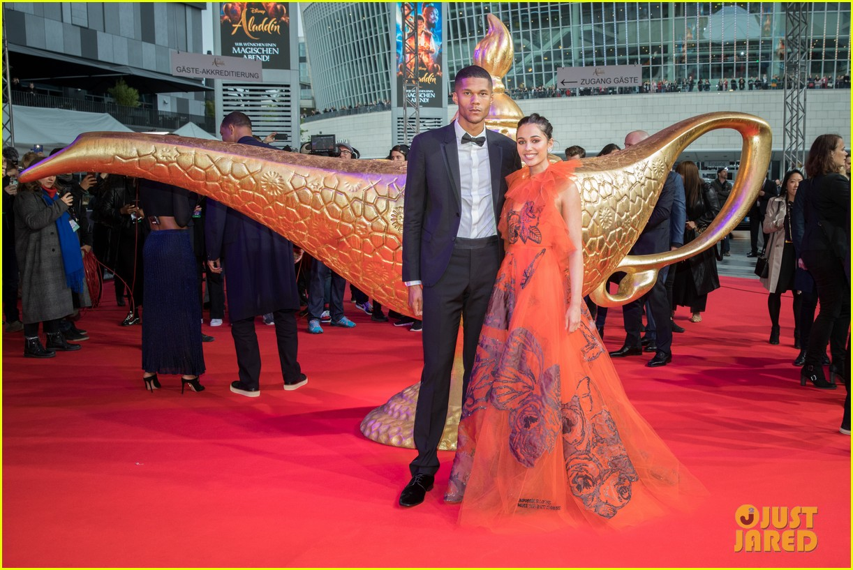 will smith mena massoud naomi scott aladdin premiere berlin 11