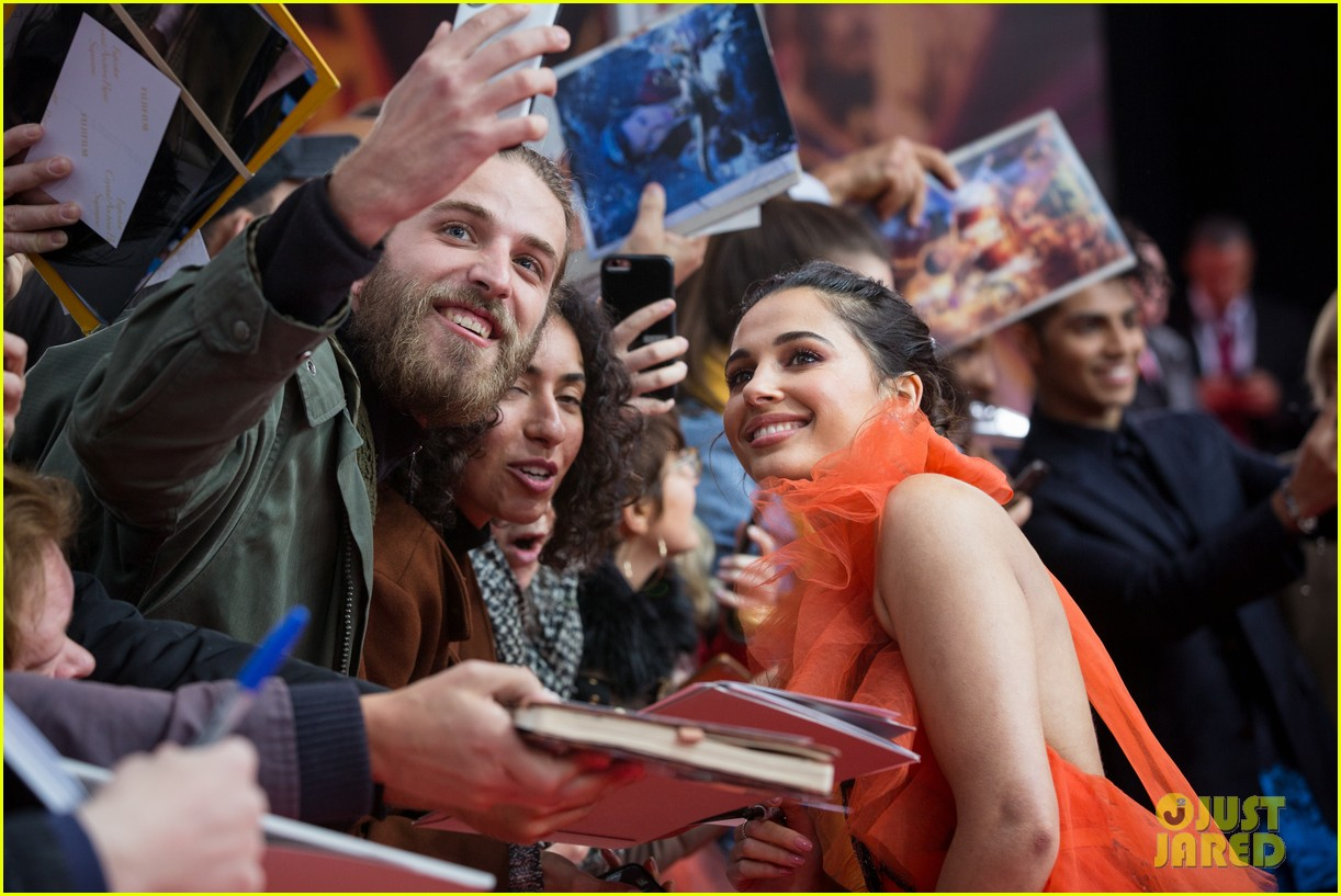 will smith mena massoud naomi scott aladdin premiere berlin 20