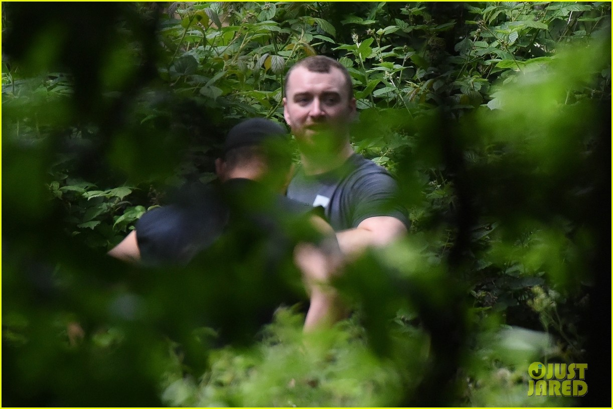 sam smith goes for a hike with trainer 23